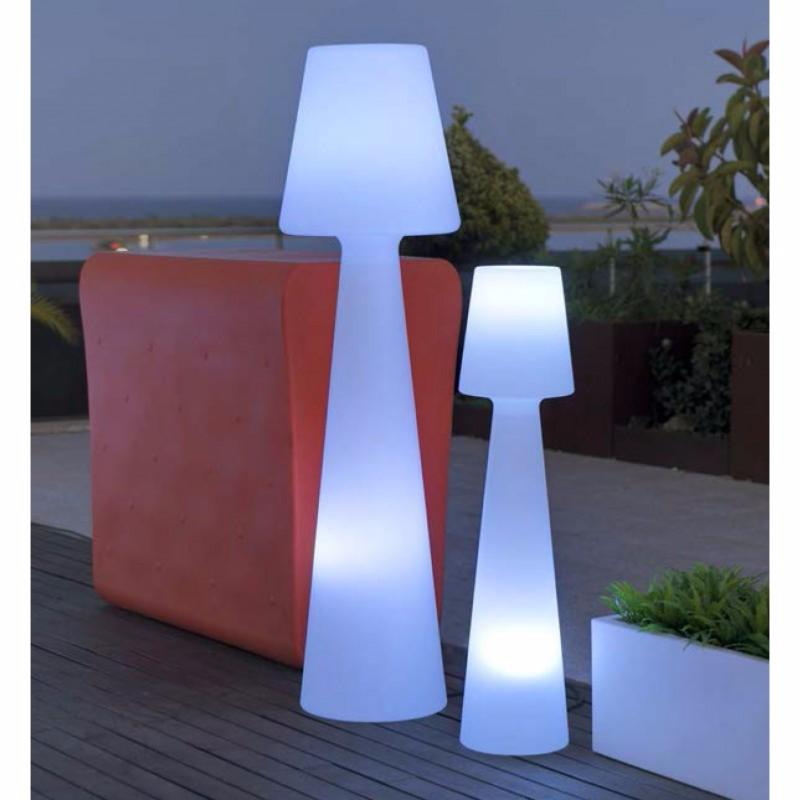 Muebles y macetas con iluminacion led integrada iluminados for Luz de led para exterior
